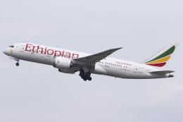 kinsanさんが、シンガポール・チャンギ国際空港で撮影したエチオピア航空 787-8 Dreamlinerの航空フォト(飛行機 写真・画像)