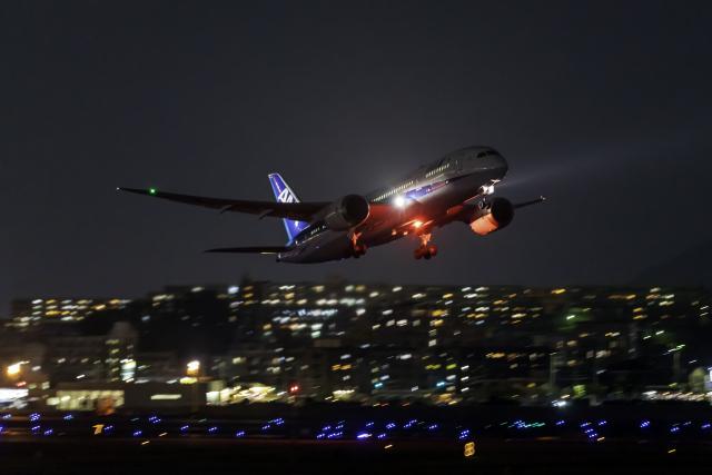 K.Sさんが、福岡空港で撮影した全日空 787-8 Dreamlinerの航空フォト(飛行機 写真・画像)