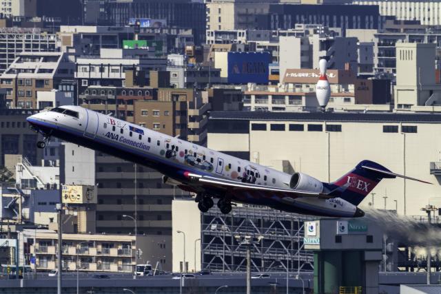 K.Sさんが、福岡空港で撮影したアイベックスエアラインズ CL-600-2C10 Regional Jet CRJ-702ERの航空フォト(飛行機 写真・画像)