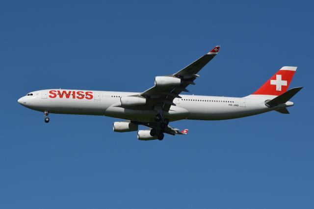 Deepさんが、成田国際空港で撮影したスイスインターナショナルエアラインズ A340-313Xの航空フォト(飛行機 写真・画像)