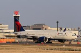 kaeru6006さんが、成田国際空港で撮影したデルタ航空 777-232/LRの航空フォト(飛行機 写真・画像)