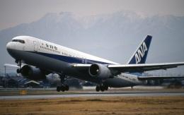 LEVEL789さんが、松山空港で撮影した全日空 767-381の航空フォト(飛行機 写真・画像)