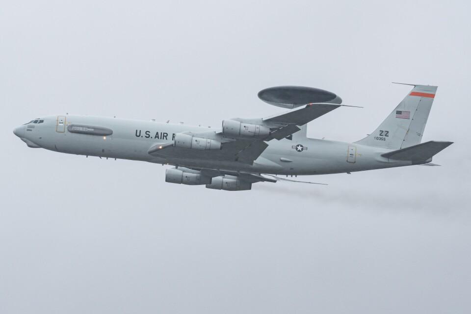 I.Kさんのアメリカ空軍 Boeing 707-300 (77-0355) 航空フォト