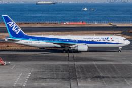 I.Kさんが、羽田空港で撮影した全日空 767-381/ERの航空フォト(飛行機 写真・画像)