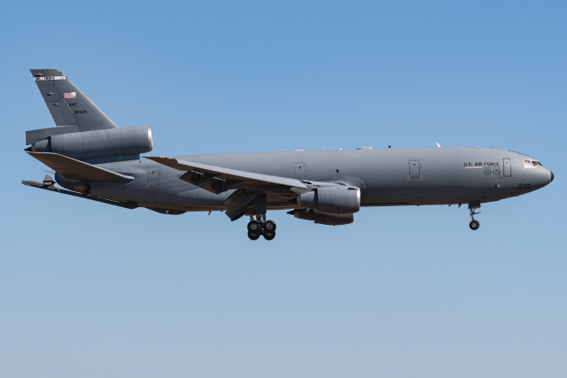 I.Kさんが、横田基地で撮影したアメリカ空軍 KC-10A Extender (DC-10-30CF)の航空フォト(飛行機 写真・画像)