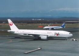 プルシアンブルーさんが、新千歳空港で撮影した日本航空 777-246の航空フォト(飛行機 写真・画像)