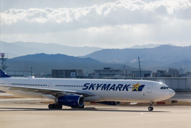 Y-Kenzoさんが、福岡空港で撮影したスカイマーク A330-343Eの航空フォト(飛行機 写真・画像)