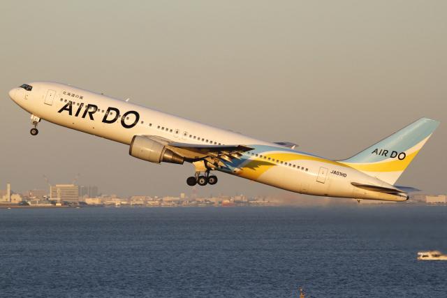とらとらさんが、羽田空港で撮影したAIR DO 767-33A/ERの航空フォト(飛行機 写真・画像)