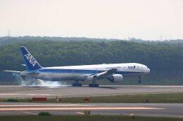 khideさんが、新千歳空港で撮影した全日空 777-381の航空フォト(飛行機 写真・画像)