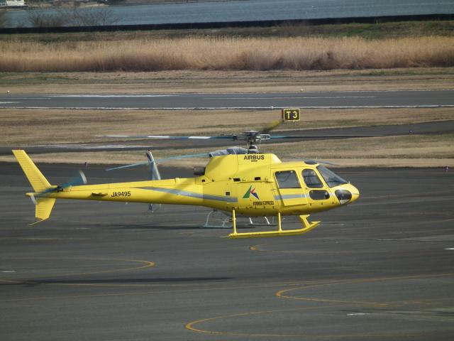 ヒコーキグモさんが、岡南飛行場で撮影した匠航空 AS350B Ecureuilの航空フォト(飛行機 写真・画像)