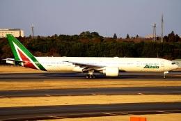 SFJ_capさんが、成田国際空港で撮影したアリタリア航空 777-3Q8/ERの航空フォト(飛行機 写真・画像)