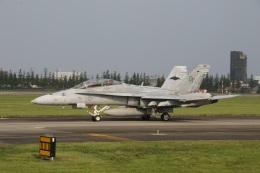 ショウさんが、横田基地で撮影したアメリカ海兵隊 F/A-18D Hornetの航空フォト(飛行機 写真・画像)
