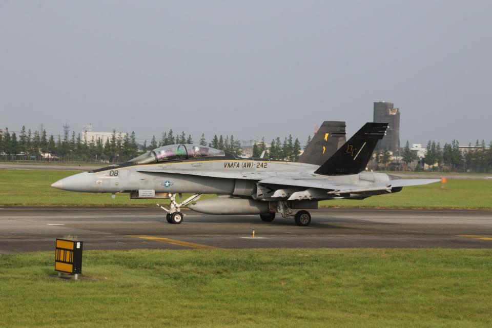ショウさんのアメリカ海兵隊 McDonnell Douglas F/A-18 Hornet (164659) 航空フォト