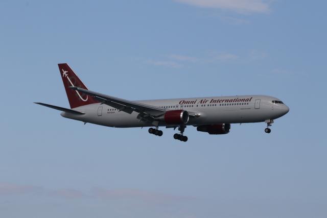 ショウさんが、岩国空港で撮影したオムニエアインターナショナル 767-33A/ERの航空フォト(飛行機 写真・画像)