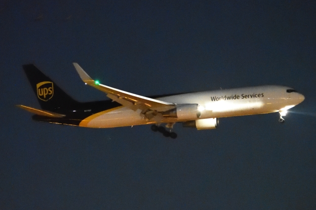 木人さんが、成田国際空港で撮影したUPS航空 767-34AF/ERの航空フォト(飛行機 写真・画像)