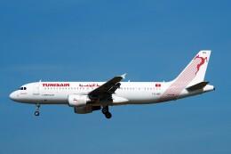ちっとろむさんが、フランクフルト国際空港で撮影したチュニスエア A320-214の航空フォト(飛行機 写真・画像)