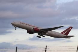 ショウさんが、横田基地で撮影したオムニエアインターナショナル 777-2U8/ERの航空フォト(飛行機 写真・画像)