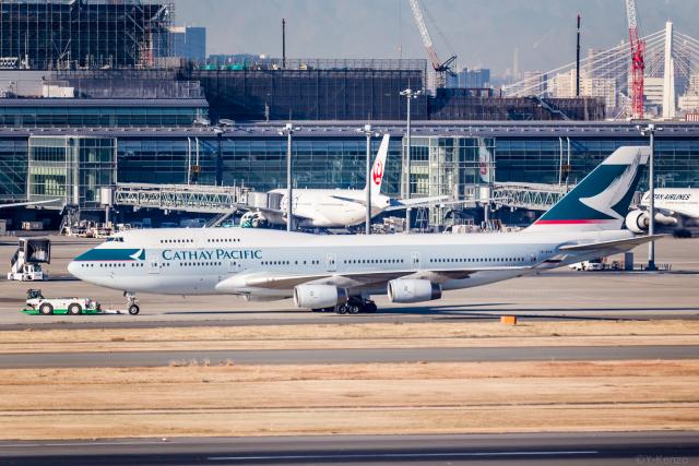Y-Kenzoさんが、羽田空港で撮影したキャセイパシフィック航空 747-467の航空フォト(飛行機 写真・画像)