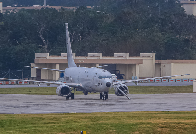 rokko2000さんが、嘉手納飛行場で撮影したアメリカ海軍 C-40A Clipper (737-7AFC)の航空フォト(飛行機 写真・画像)