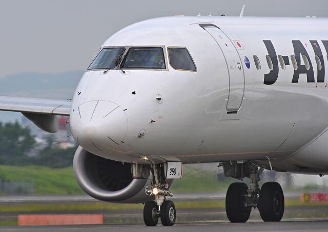 監督さんが、伊丹空港で撮影したジェイエア ERJ-190-100(ERJ-190STD)の航空フォト(飛行機 写真・画像)