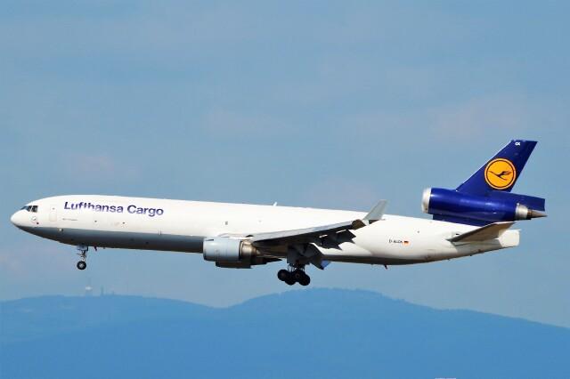ちっとろむさんが、フランクフルト国際空港で撮影したルフトハンザ・カーゴ MD-11Fの航空フォト(飛行機 写真・画像)