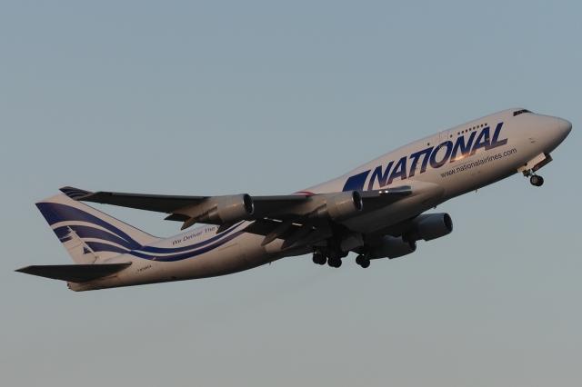 木人さんが、成田国際空港で撮影したナショナル・エアラインズ 747-412(BCF)の航空フォト(飛行機 写真・画像)