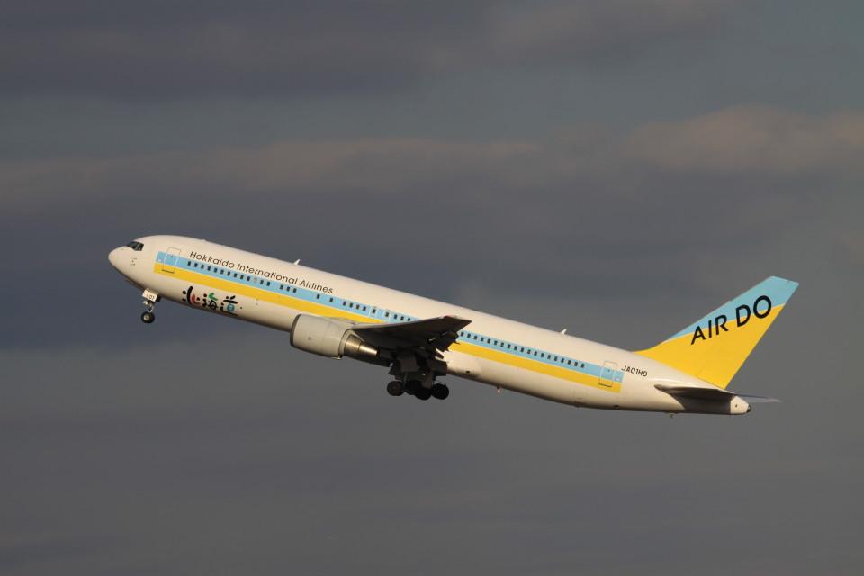 rokko2000さんのAIR DO Boeing 767-300 (JA01HD) 航空フォト
