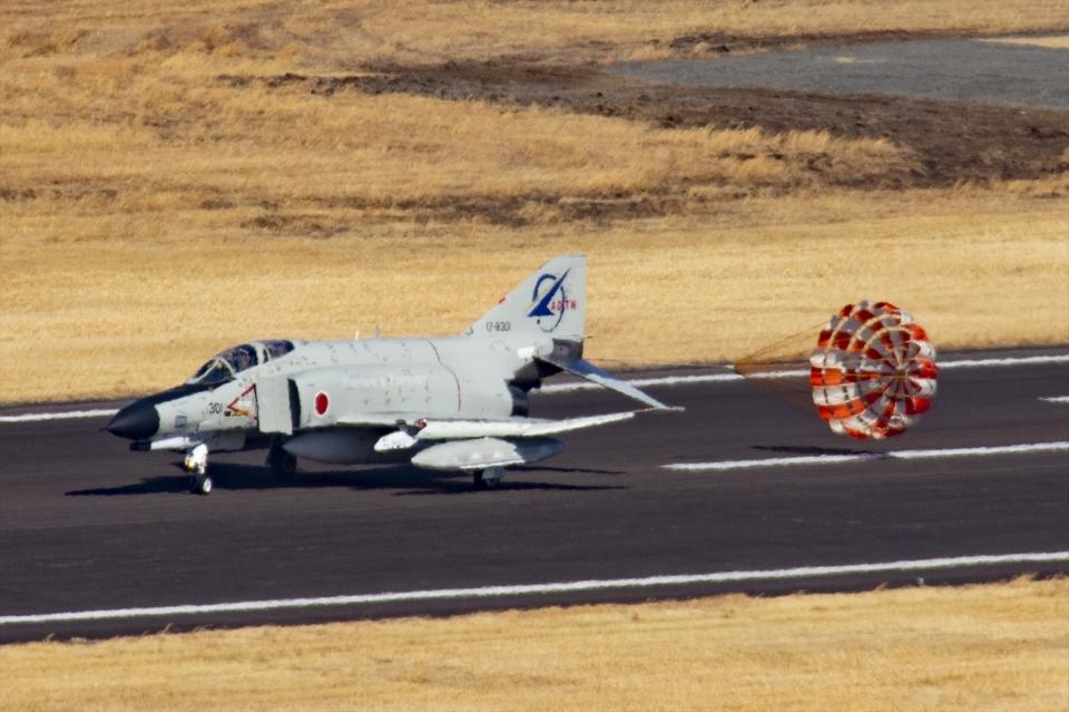 Mochi7D2さんの航空自衛隊 McDonnell Douglas F-4EJ Phantom II (17-8301) 航空フォト