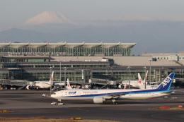 安芸あすかさんが、羽田空港で撮影した全日空 777-381/ERの航空フォト(飛行機 写真・画像)