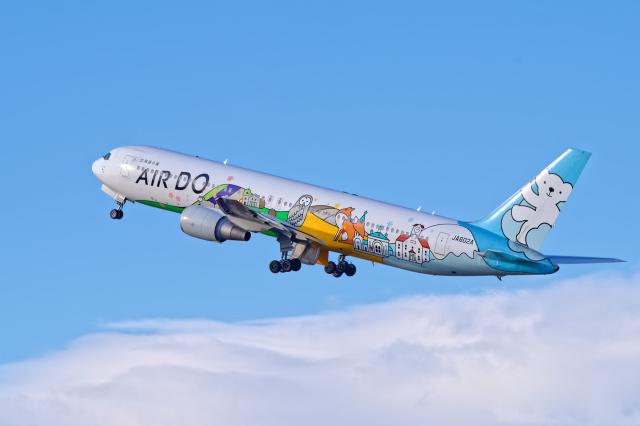 監督さんが、新千歳空港で撮影したAIR DO 767-381の航空フォト(飛行機 写真・画像)