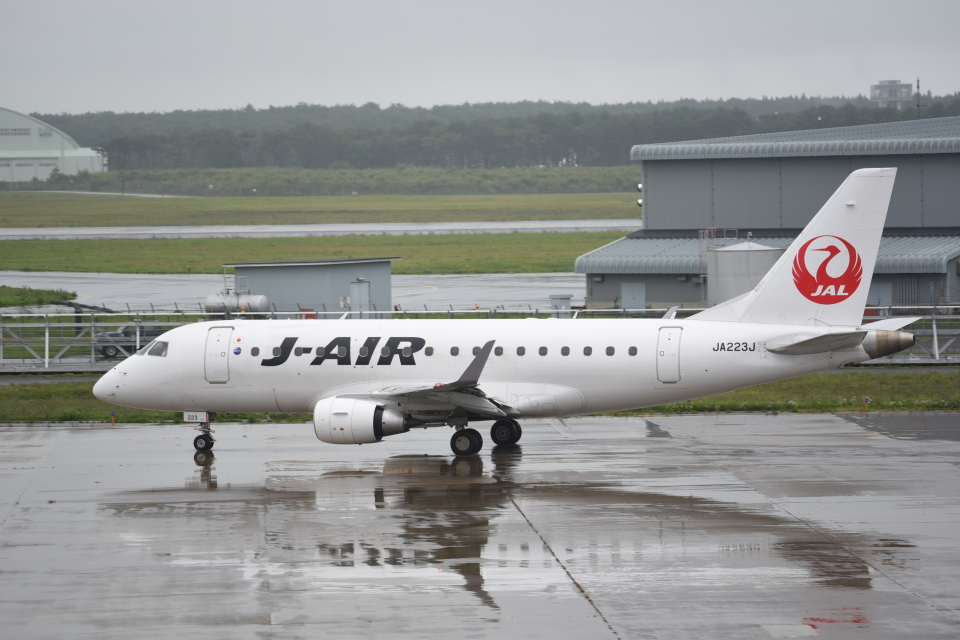 kumagorouさんのジェイエア Embraer 170 (JA223J) 航空フォト