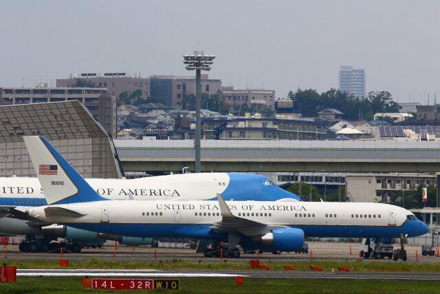 khideさんが、伊丹空港で撮影したアメリカ空軍 757-2Q8の航空フォト(飛行機 写真・画像)