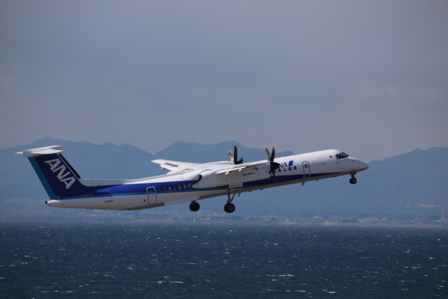 kwnbさんが、中部国際空港で撮影したANAウイングス DHC-8-402Q Dash 8の航空フォト(飛行機 写真・画像)