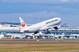 監督さんが、新千歳空港で撮影した日本航空 777-289の航空フォト(飛行機 写真・画像)