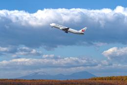 監督さんが、新千歳空港で撮影した日本航空 767-346/ERの航空フォト(飛行機 写真・画像)