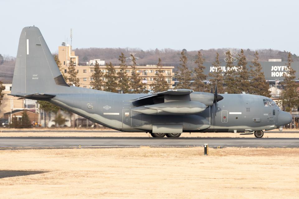KANTO61さんのアメリカ空軍 Lockheed Martin C-130 Hercules (08-6202) 航空フォト