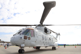 TAK_HND_NRTさんが、岩国空港で撮影した海上自衛隊 MCH-101の航空フォト(飛行機 写真・画像)