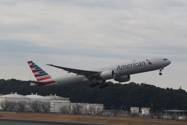 ショウさんが、成田国際空港で撮影したアメリカン航空 777-323/ERの航空フォト(飛行機 写真・画像)