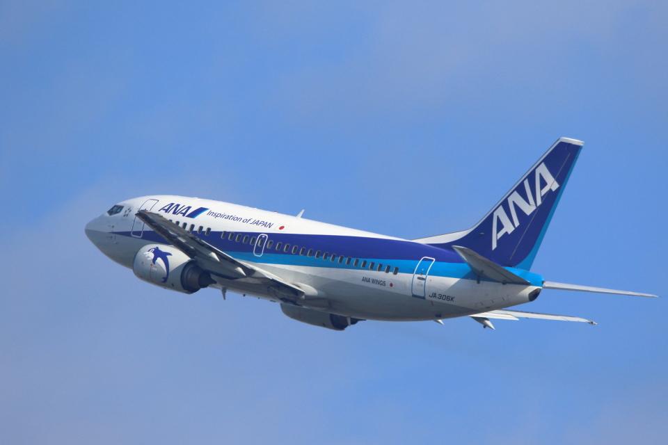kaz787さんのANAウイングス Boeing 737-500 (JA306K) 航空フォト