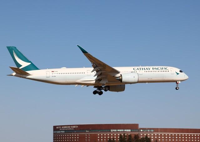 不揃いさんが、成田国際空港で撮影したキャセイパシフィック航空 A350-941の航空フォト(飛行機 写真・画像)