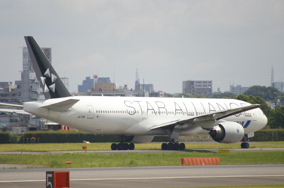 なかすぃ~さんの全日空 Boeing 777-200 (JA711A) 航空フォト