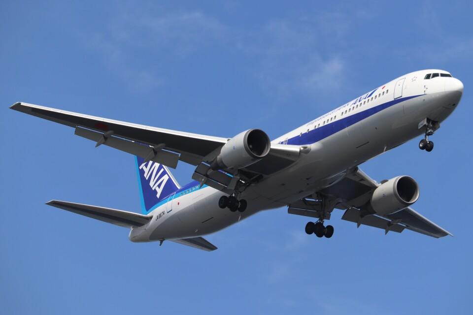 BOEING737MAX-8さんの全日空 Boeing 767-300 (JA8674) 航空フォト