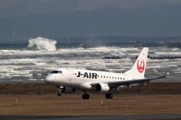 TAKAHIDEさんが、新潟空港で撮影したジェイエア ERJ-170-100 (ERJ-170STD)の航空フォト(飛行機 写真・画像)