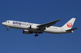 キイロイトリさんが、伊丹空港で撮影した日本航空 767-346の航空フォト(飛行機 写真・画像)