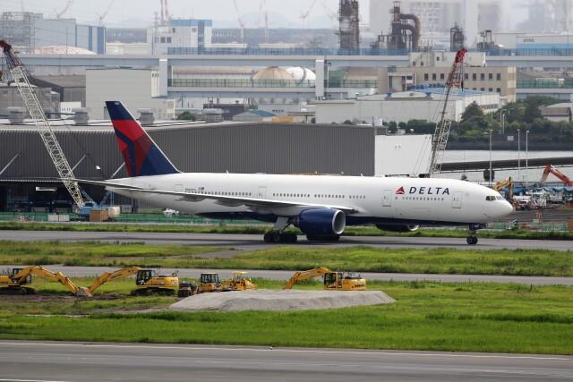もぐ3さんが、羽田空港で撮影したデルタ航空 777-232/ERの航空フォト(飛行機 写真・画像)