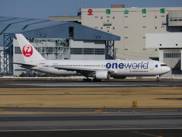 LOVE767さんが、伊丹空港で撮影した日本航空 767-346の航空フォト(飛行機 写真・画像)