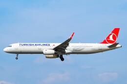 ちっとろむさんが、フランクフルト国際空港で撮影したターキッシュ・エアラインズ A321-231の航空フォト(飛行機 写真・画像)