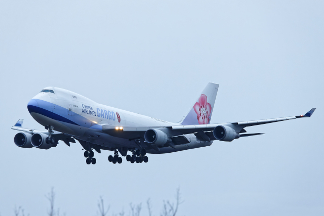 SGR RT 改さんが、成田国際空港で撮影したチャイナエアライン 747-409F/SCDの航空フォト(飛行機 写真・画像)