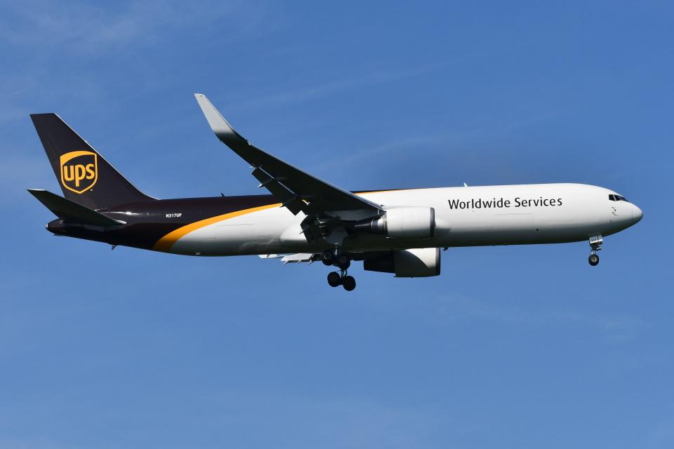 DeepさんのUPS航空 Boeing 767-300 (N317UP) 航空フォト