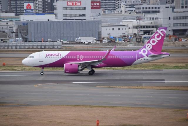 bachi51さんが、福岡空港で撮影したピーチ A320-251Nの航空フォト(飛行機 写真・画像)